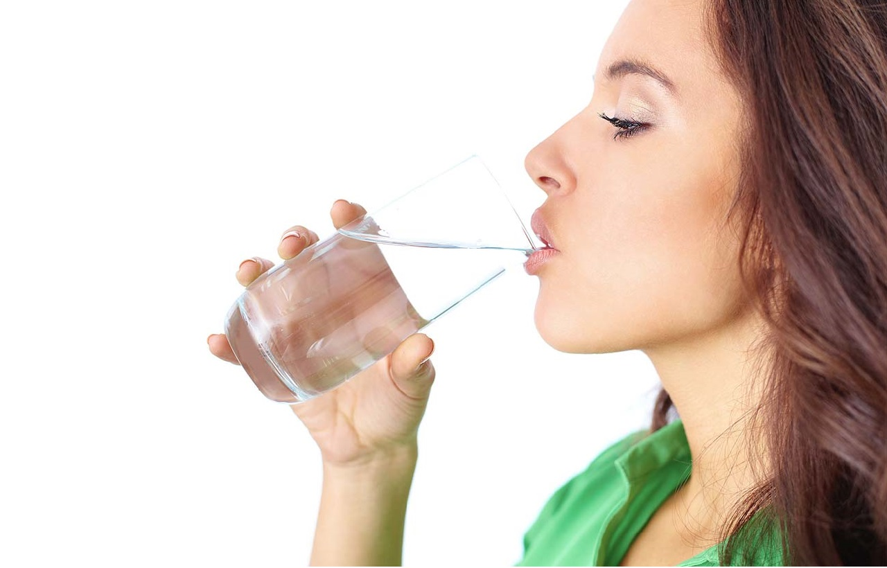 10 Diet and Health Tips for Girl - Drink Water